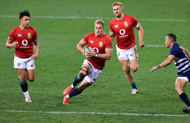 CAPE TOWN, SOUTH AFRICA - JULY 17: Duhan van der Merwe of the British & Irish Lions breaks with the ball during the match between the DHL Stormers and the British & Irish Lions at Cape Town Stadium on July 17, 2021 in Cape Town, South Africa. (Photo by David Rogers/Getty Images)