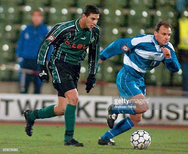 Duisburg MSV DUISBURG SV WERDER BREMEN Claudio PIZARRO/Bremen Martin SCHNEIDER/Duisburg