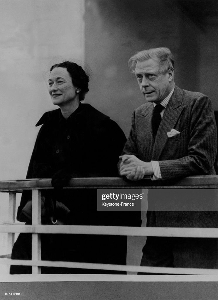 Duke And Duchess Of Windsor To The Board Of Ship Queen Elisabeth In New York.