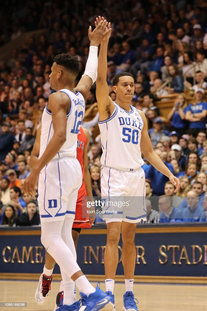 COLLEGE BASKETBALL: FEB 02 St John's at Duke : News Photo
