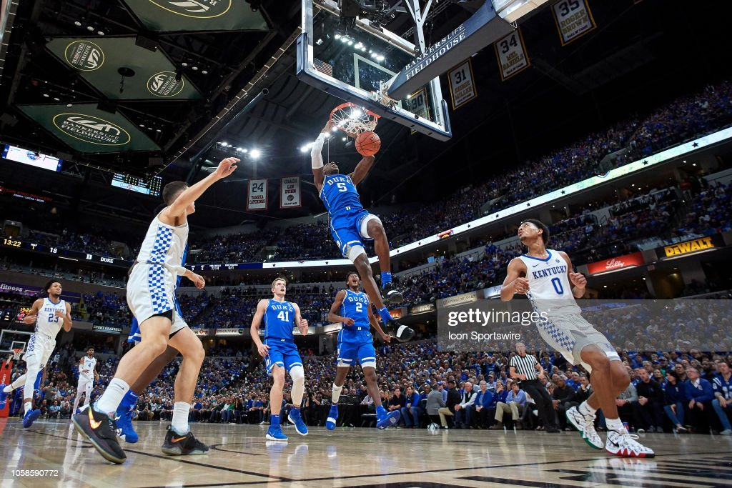 COLLEGE BASKETBALL: NOV 06 State Farm Champions Classic - Duke v Kentucky : News Photo
