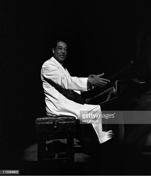 Duke Ellington performs on stage 1957