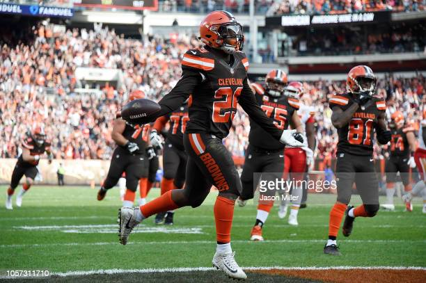 Duke Johnson of the Cleveland Browns celebrates his touchdown during the second quarter agains the Kansas City Chiefs at FirstEnergy Stadium on...