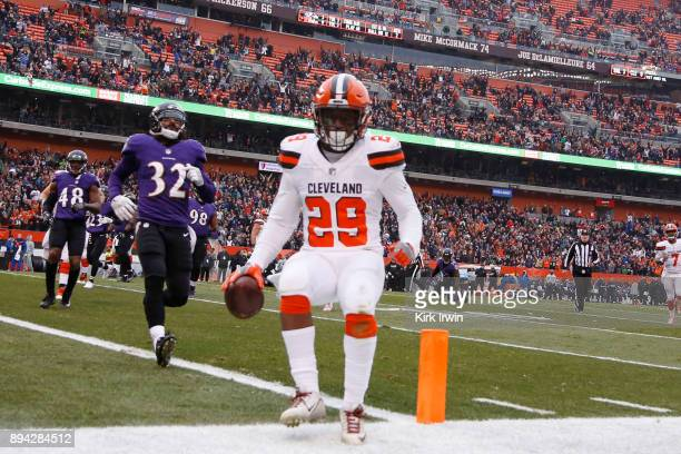 Duke Johnson of the Cleveland Browns runs the ball in for a touchdown in the second quarter against the Baltimore Ravens at FirstEnergy Stadium on...