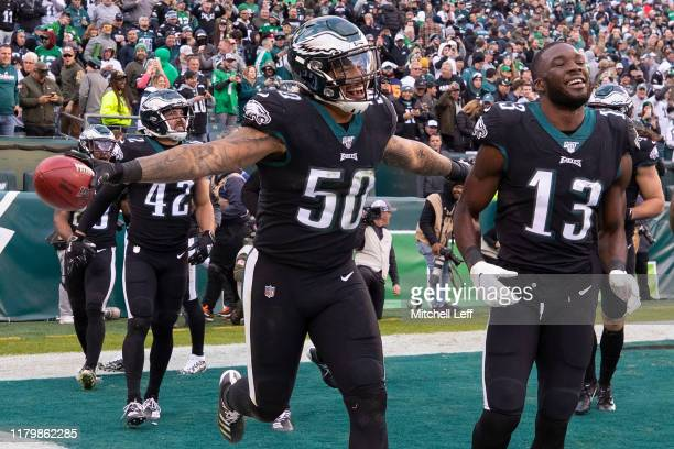 Duke Riley and Nelson Agholor of the Philadelphia Eagles react late in the fourth quarter against the Chicago Bears at Lincoln Financial Field on...