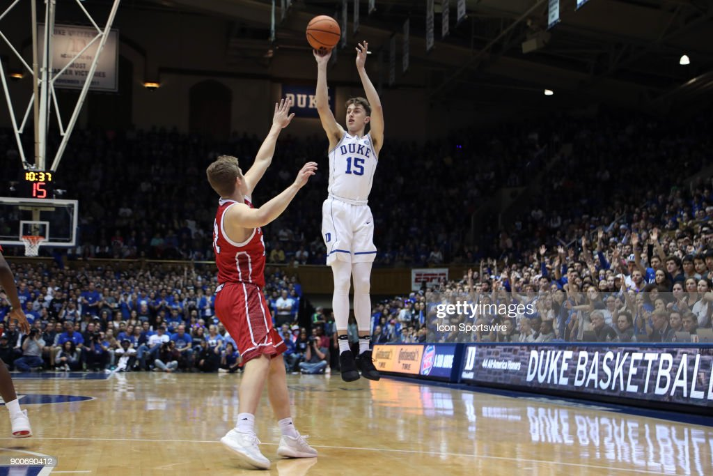 COLLEGE BASKETBALL: DEC 02 South Dakota at Duke : News Photo