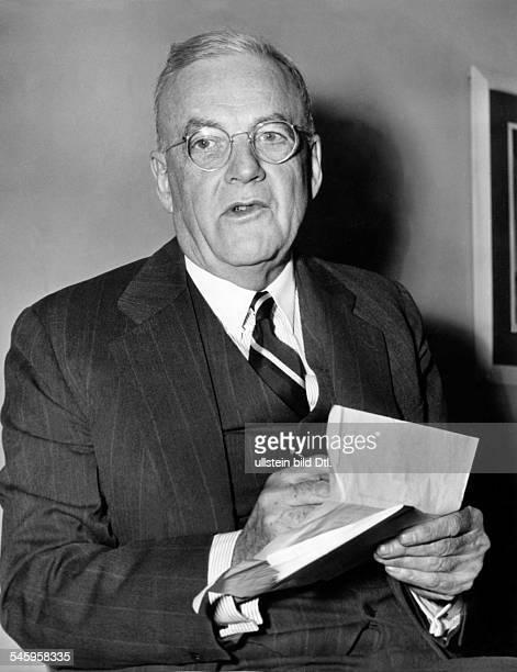 Dulles, John Foster *25.02.1888-+Politiker, USAAussenminister 1953-59- Portrait- 1954