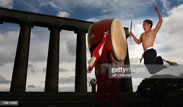Dulsori drummers promote there Edinburgh festival show on top of Calton Hill August 1, 2007 in Edinburgh,Scotland.The Korean arts company based in...