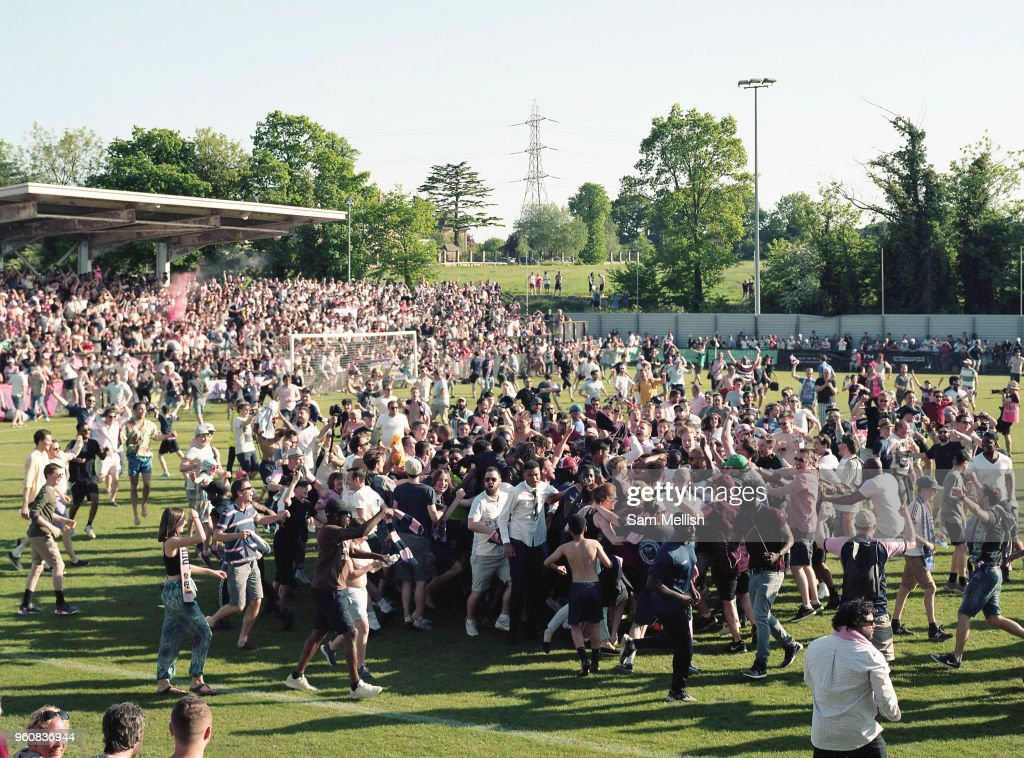 Dulwich Hamlet FC Vs Hendon FC Play Off Final South London : News Photo