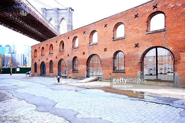 dumbo area near brooklyn and manhattan bridge - dumbo stock photos and pictures