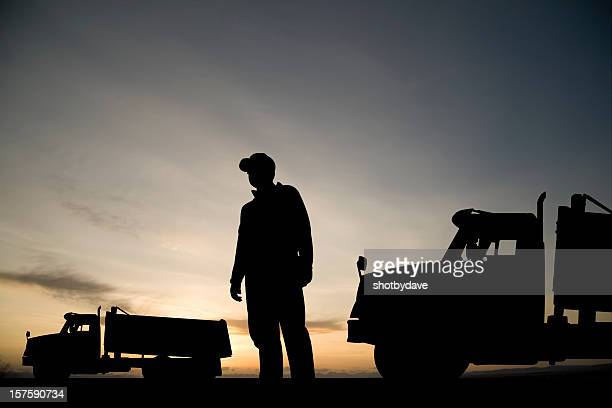 ダンプトラックドライバ - ダンプカー ストックフォトと画像