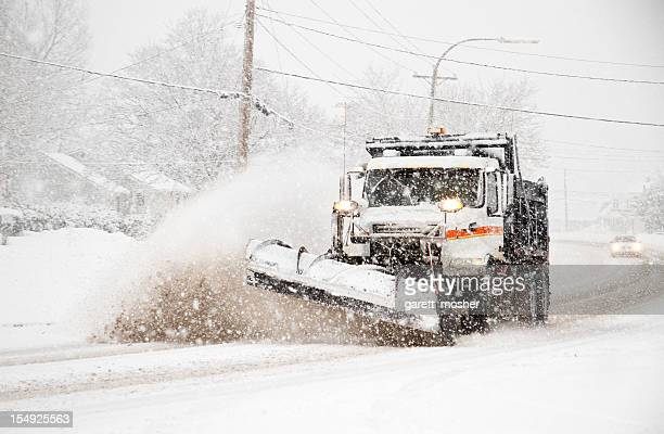 dumptruck を耕す雪に northeaster 耕土機