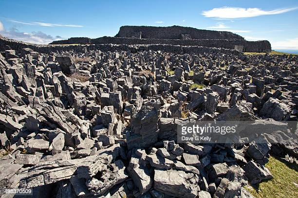 dun aengus fort - dun aengus stock pictures, royalty-free photos & images