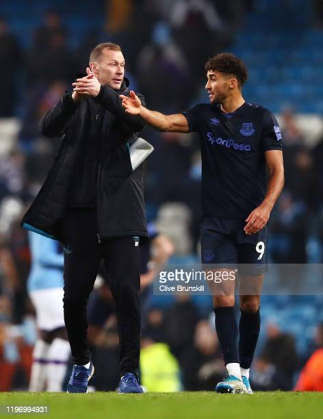 Duncan Ferguson speaks with Dominic CalvertLewin of Everton after the Premier League match between Manchester City and Everton FC at Etihad Stadium...