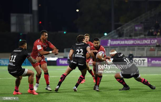 Duncan Paia'aua of RC Toulon takes on Piers O'Connor and John Afoa of Bristol Bears during the European Rugby Challenge Cup Final between Bristol...