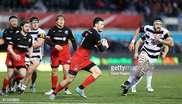 Duncan Taylor of Saracens breaks with the ball during the Aviva Premiership match between Saracens and Gloucester at Allianz Park on February 20,...