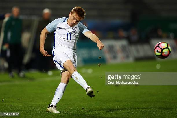 Duncan Watmore of England U21 in action during the U21 International Friendly match France U21 and England U21 at the Stade Robert Bobin on November...