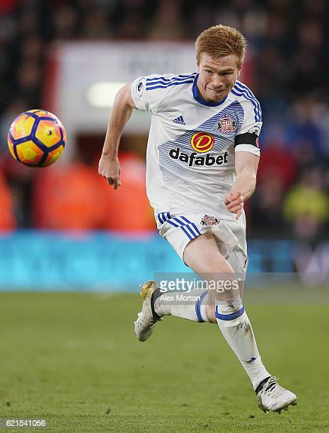 Duncan Watmore of Sunderland during the Premier League match between AFC Bournemouth and Sunderland at Vitality Stadium on November 5 2016 in...