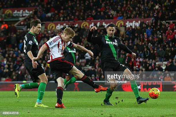 Duncan Watmore of Sunderland scores his team's second goal during the Barclays Premier League match between Sunderland and Stoke City at Stadium of...