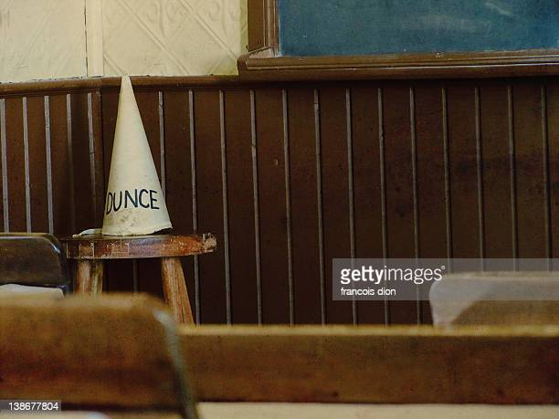 dunce hat vintage classroom school - dunce's hat stock pictures, royalty-free photos & images