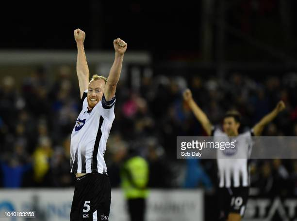 Dundalk Ireland 25 September 2018 Chris Shields of Dundalk celebrates at the final whistle following his side's victory during the SSE Airtricity...