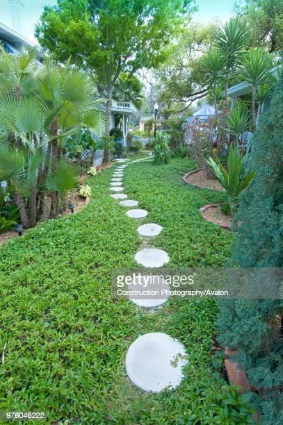 Dunedin Florida Garden pathway at the Meranova Guest Inn USA