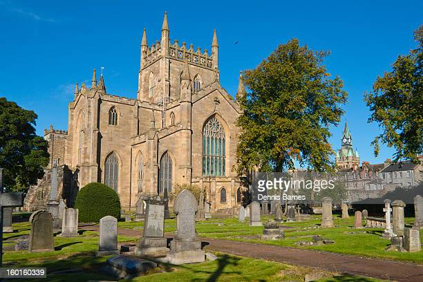 dunfermline abbey, fife, scotland - fife scotland stock pictures, royalty-free photos & images