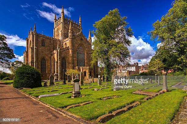 dunfermline abbey fife scotland - fife scotland stock pictures, royalty-free photos & images