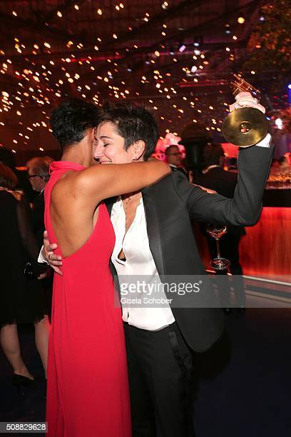 Dunja Hayali with award and Dennenesch Zoude during the after show party of the Goldene Kamera 2016 on February 6 2016 in Hamburg Germany