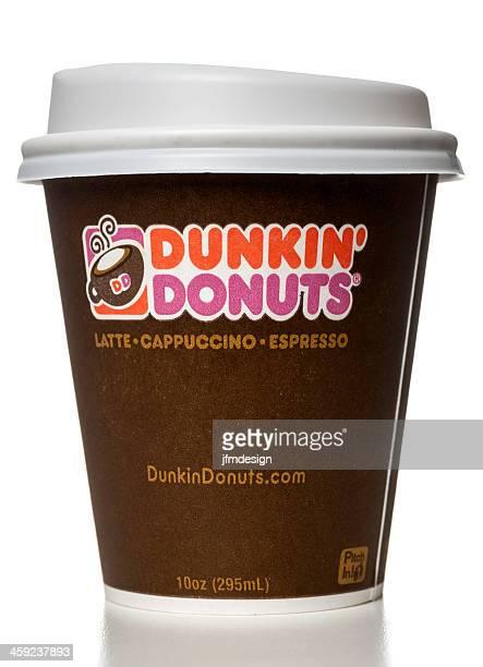 dunkin'saborear capuccino taza de café con leche, café expresso - dunkin donuts cup fotografías e imágenes de stock