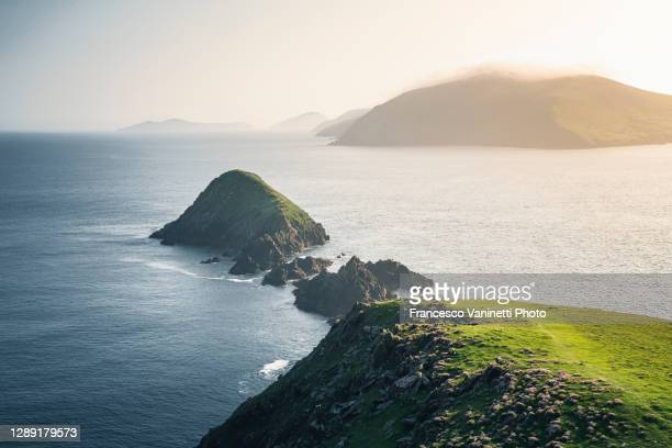 dunmore head, ring of kerry, ireland. - dramatic landscape stock pictures, royalty-free photos & images