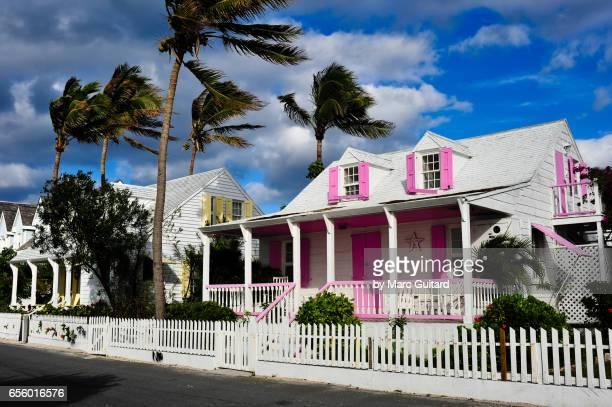 dunmore town, harbour island, bahamas - ダンモアタウン ストックフォトと画像