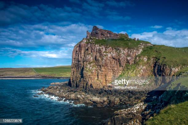 duntulm castle ruins, isle of skye, inner hebrides, scotland, uk - castle stock pictures, royalty-free photos & images
