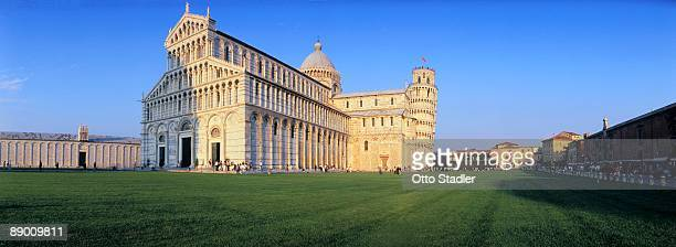 duomo, campo del miracoli, pisa, tuscany, italy - reise stock pictures, royalty-free photos & images