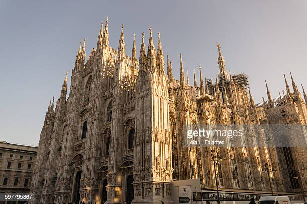 duomo di milano - flying buttress stock photos and pictures