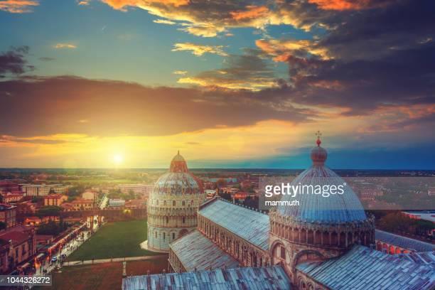 duomo di pisa al tramonto - pisa, toscana, italia - pisa foto e immagini stock