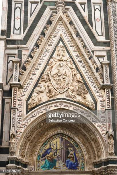 duomo santa maria del fiore in florence, travel in italy. - duomo santa maria del fiore stock pictures, royalty-free photos & images