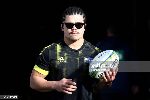 Du'Plessis Kirifi of the Hurricanes warms up ahead of the round 1 Super Rugby Aotearoa match between the Blues and the Hurricanes at Eden Park on...