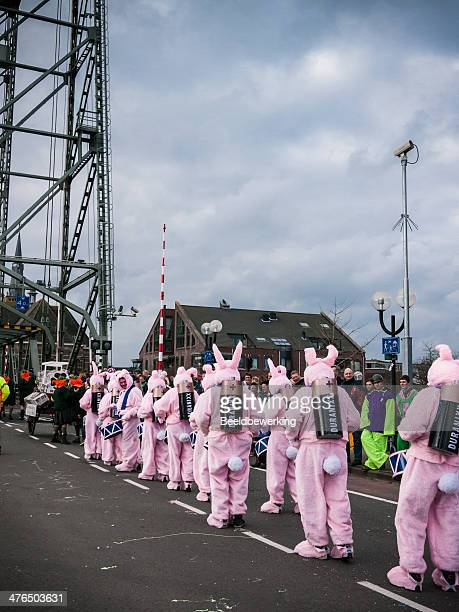 duracell bunnies crossing the bridge - duracell stock pictures, royalty-free photos & images