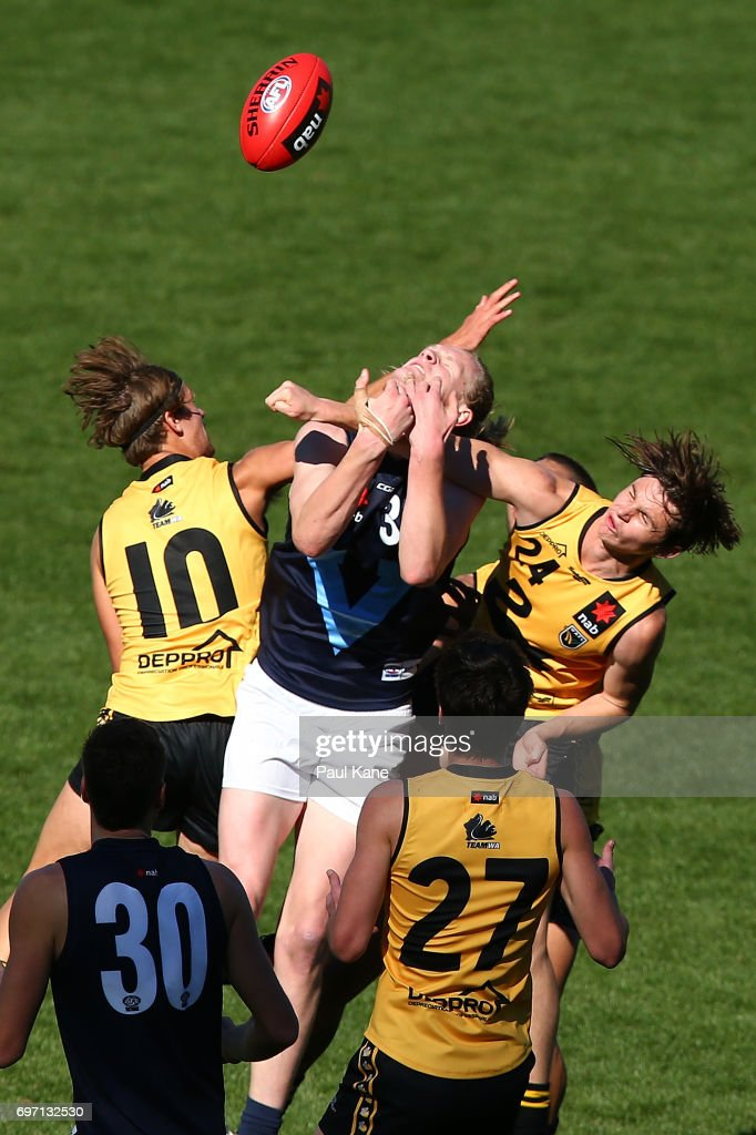 Durack Tucker of Western Australia spoils the marks for Sam Hayes of Vic Metro during the U18 Championships match between Western Australia and Victoria Metro at Domain Stadium on June 18, 2017 in Perth, Australia.