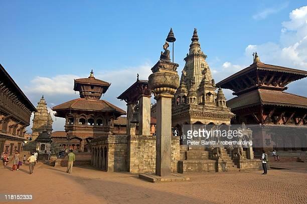 durbar square, bhaktapur, unesco world heritage site, kathmandu valley, nepal, asia - カトマンズ ダルバール広場 ストックフォトと画像