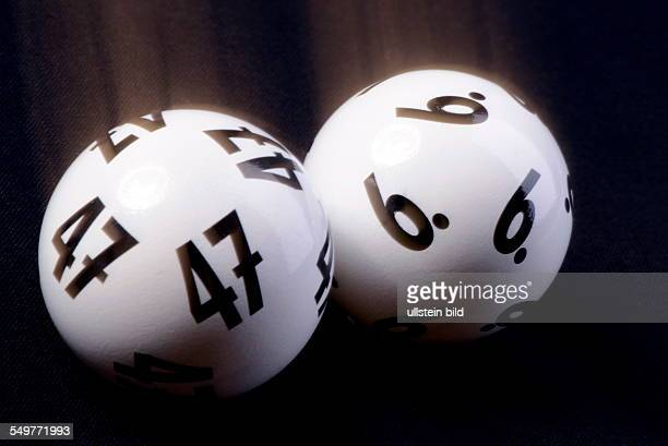 Durch eine Panne beim Mittwochslotto am wird die Ziehung als ungültig erklärt Zwei der Kugeln blieben im Schlitten hängen und so wurden 6 Kugeln aus...