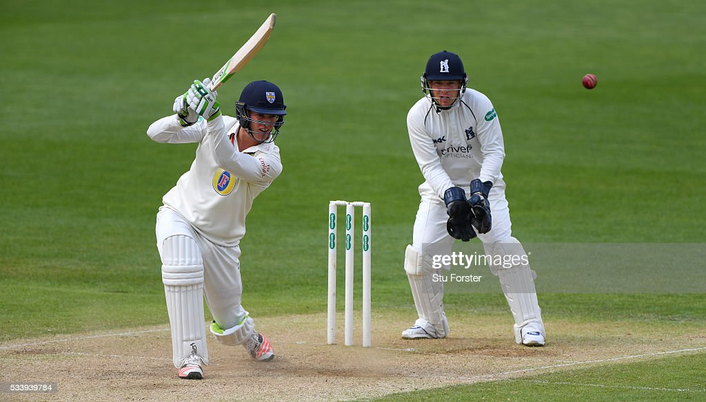 Warwickshire v Durham - Specsavers County Championship: Division One
