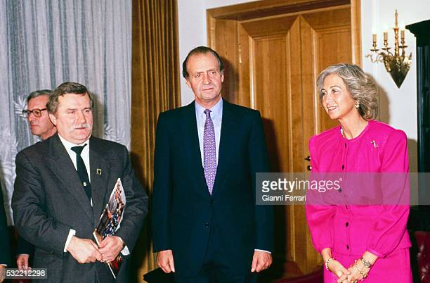During a State visit King Juan Carlos I of Spain and Queen Sofia meet with Lech Walesa Warsaw Poland October 4 1989