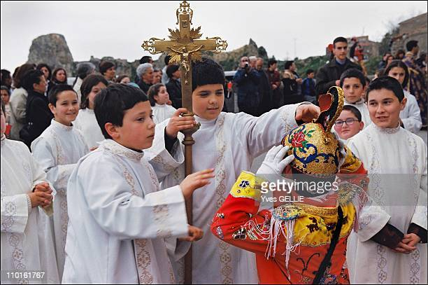 During a stop in a procession at the Church of the Calvary young 'Jews' don't hesitate to mix with their comrades who are altar boys in the...