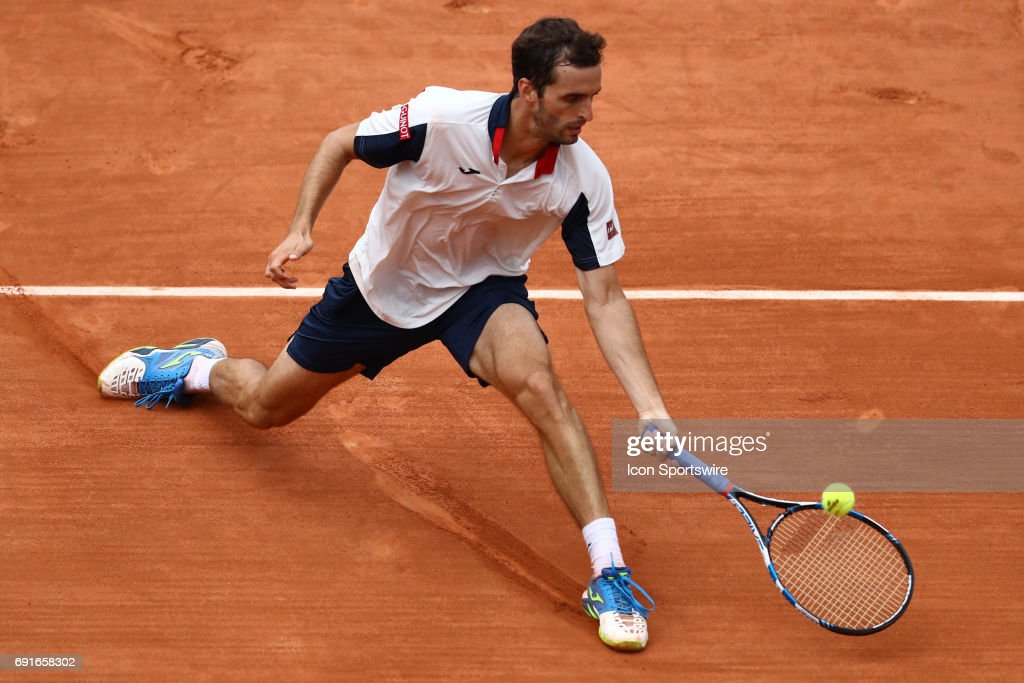 TENNIS: JUN 02  French Open : News Photo