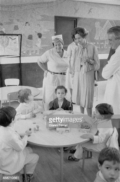 During her official trip to Spain, the Belgian Queen Fabiola visit a children's hospital, 29th September 1978, Madrid, Spain. .