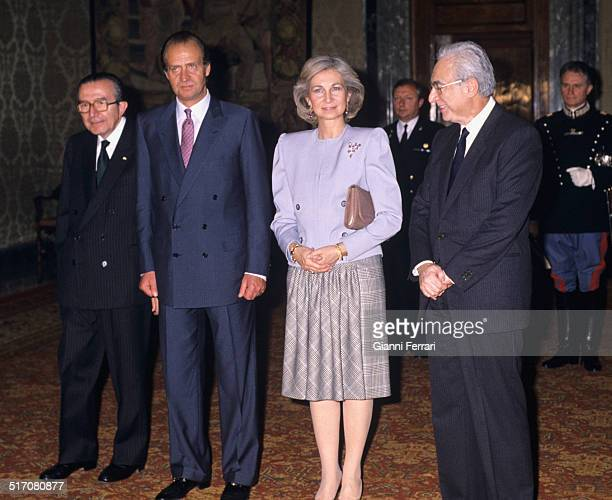 During his official trip to Italy the Spanish King Juan Carlos and Sofia in a photo in Rome with Italian politicals Francesco Cossiga and Giulio...