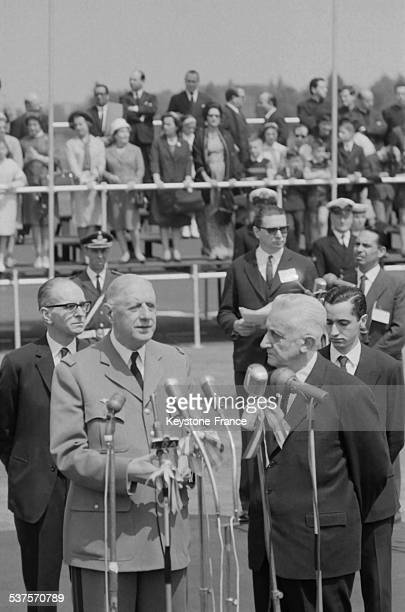 During his official visit in Argentina General de Gaulle was greeted at the airport by Arturo Umberto Illia Argentinian president on October 6 1964...