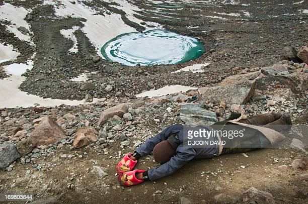 during mount kailash pilgrimage in tibet, china - mt kailash stock pictures, royalty-free photos & images